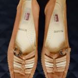 Pantofi Easy Street piele naturala; marime 37 (24.5 cm talpic interior); ca noi