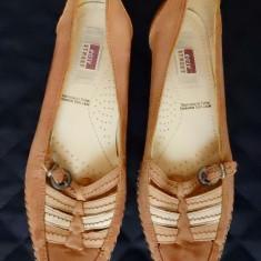 Pantofi Easy Street piele naturala; marime 37 (24.5 cm talpic interior); ca noi - Mocasini dama, Culoare: Din imagine