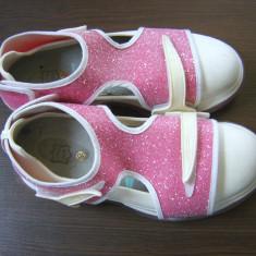 Fessura, pantofi sport superbi, neobisnuiti, cu glitter roz, marimea 36/37 - Adidasi dama