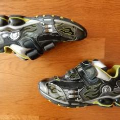 Adidasi Geox Respira Vero Cuoio cu luminite ce se aprind succesiv la calcare; 35 - Adidasi copii Geox, Culoare: Din imagine, Baieti