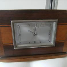 Frumos ceas de semineu,vechi,marcat Reger,carcasa lemn,prov.Austria,de colectie.