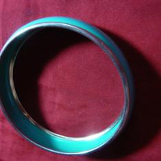 Bratara metal argintat si email turcoaz , d.interior= 6,2 cm