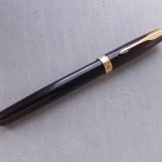 Stilou PARKER SONNET Laque Black placat cu aur Made in France N nu Montblanc