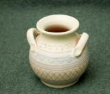 Vas mic de ceramica de culoare turcoaz
