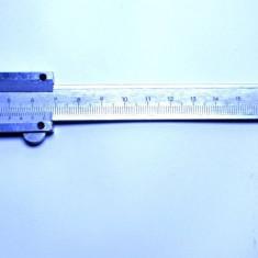 Un subler din inox 150 mm de mare precizie masoara si adancimea, clasa 0.02mm
