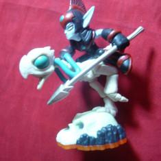 Figurina - ELF calare pe schelet Pasare pe cap mort, model Actovizion, h= 9, 5 cm - Figurina Desene animate