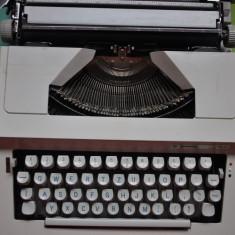Masina de scris Hermes