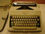 Masina de scris OLIMPIA MONICA