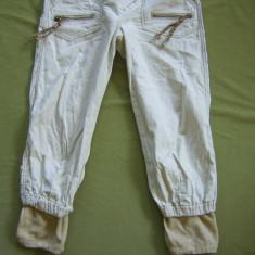 Bermude SUPERBE DESIGUAL marimea 26 - Pantaloni dama, Culoare: Din imagine