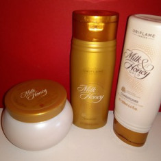 Set sampon + balsam + masca Milk and Honey Gold Oriflame