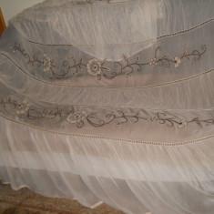 Cuvertura de pat din jorjet, obiect vintage