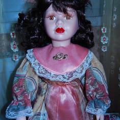 Papusa portelan Monique-superba - Papusa de colectie