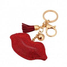 Breloc buze si cristale rosii fantezie + cutie cadou