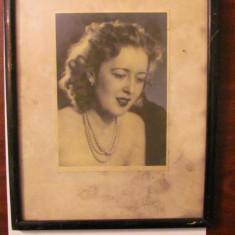 GE - Fotografie foto tablou veche frumoasa Amorina fiica generalului Trincu, Alb-Negru, Portrete, Romania 1900 - 1950
