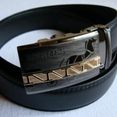 Curea H negru pentru pantaloni, blugi, cu catarama metalica deosebita model nou - Curea Barbati Hermes, Marime: Marime universala, curea si catarama