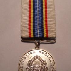 Medalia Pentru Servicii Aduse in Apararea Oranduirii Sociale si de Stat - Ordin