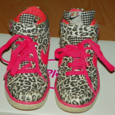 Ghete sport fetite - Nike leopard - Ghete copii Nike, Marime: 28, Culoare: Din imagine