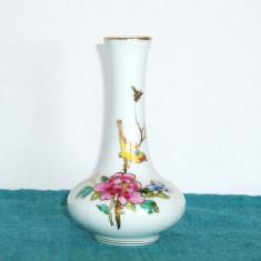 Vaza portelan 2 pictata manual, famille rose - 1950-60 - marcaj Jingdezhen China - Arta din Asia
