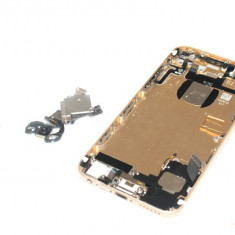 Capac Spate Gold, tava sim, mufa incarcare, difuzor, butoane volum, buton power, mufa jack, microfon, camera, Apple iPhone 6