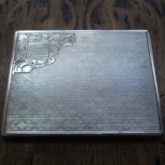 Tabachera veche de argint masiv, gravura fina