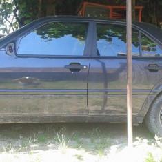 Dezmembrez Mercedes C180 model w 202 - Dezmembrari Mercedes-Benz