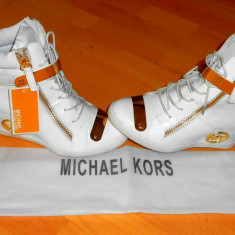 SNEAKERS MICHAEL KORS, LOGO METALIC AURIU /NEW MODEL - Ghete dama Michael Kors, Marime: 38