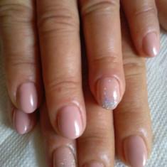 Oja semi si Gel pe unghia naturala - Unghii false Opi