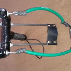 Prastie vanatoare cu inele si suport metalic de mana