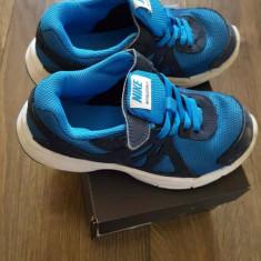 Adidasi nike baieti nr 29, 5 - Adidasi copii Nike, Culoare: Albastru