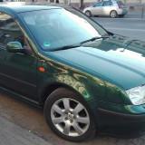 Vand VW Bora, An Fabricatie: 2003, Benzina, 196000 km, 201 cmc