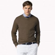Pulover Tommy Hilfiger -Luxury Wool, Finest Italian Yars | Model deosebit M - Pulover barbati, Marime: M, Culoare: Maro, La baza gatului, Lana