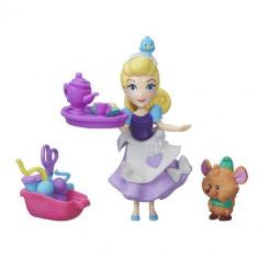 Disney Little Kingdom Petrecerea de Cusut a Cenusaresei - Figurina Povesti Hasbro