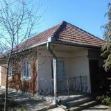 Casa la tara pentru gospodarit, localitatea Glodeni, jud. Mures - Casa de vanzare, 700 mp, Numar camere: 3, Suprafata teren: 7700