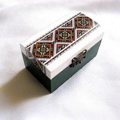 Cutie lemn cu motiv traditional 28549