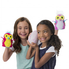 Pinguin in ou roz, Hatchimals Spin Master