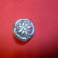 Insigna veche Austria ( Tirol) - Floare de Colt, metal, d= 2, 2 cm