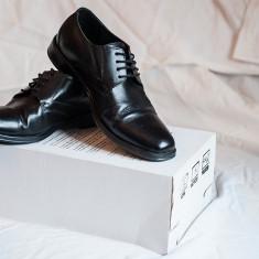 Pantofi barbatesti Lavorazione Artigiana piele Italia masura 38, Culoare: Negru