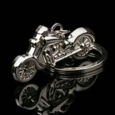 Breloc metalic argintiu caltitativ MOTOCICLETA + ambalaj  cadou