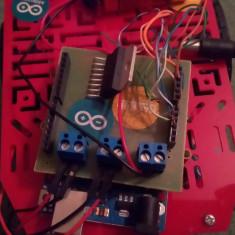 Arduino UNO V3 + Kit Line Follower + senzori IR