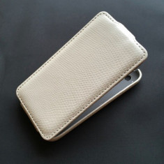 Toc iPhone 3GS Flip Piele Eco Snake Alb