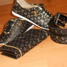 ADIDAS/PANTOFI SPORT LOUIS VUITTON/LOGO AURIU+CUREA+PORTOFEL-SET - Adidasi dama Louis Vuitton, Culoare: Negru, Marime: 38