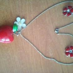 Set de lantisor cu pandantiv si cercei rosii
