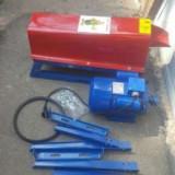 Batoza de porumb cu motor