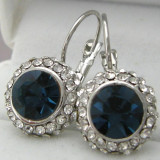 SUPERBI_cercei eleganti  cristale albastre anturate de cristale albe