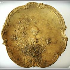 SUPERBĂ! FARFURIE BAROC FĂCUTĂ DIN BRONZ - FETIȚA DINTRE FLORI - VECHE, 1900! - Metal/Fonta, Ornamentale