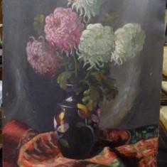 G. Kusovski, Vas cu flori - Pictor roman