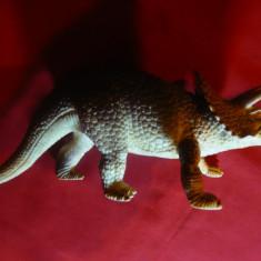 Figurina Dinozaur (Triceratops?), L= 21, 5 cm, plastic - Figurina Dinozauri