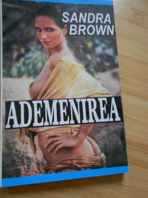 SANDRA BROWN--ADEMENIREA foto