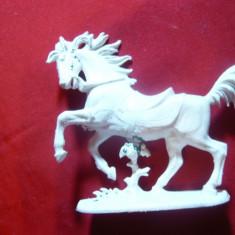 Figurina Cal Alb , L= 7,5 cm W.Germania , plastic