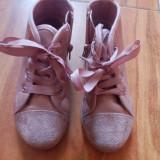 Pantofi maro, fete 6 ani.